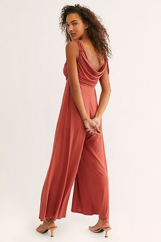 valentinesday dinner All Day Long One Piece by FP Beach at Free People, Red, XS Night Club Outfits, Dinner Outfits, Casual Outfits, Dresses For Teens, Club Dresses, Midi Dresses, Napa Valley Style, Napa Style, Wet Seal Fashion