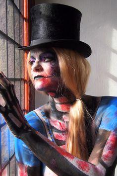 Alice in Horrorland bodypaint