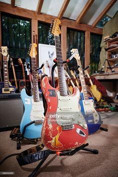 Detail of 'Pinky', a 1962 Fender Stratocaster belonging to English rock musician Chris Rea, photographed at his home in Berkshire on January 1962 Fender Stratocaster, Chris Rea, Slide Guitar, Nothing To Fear, Middlesbrough, January 27, Blues Music, Blues Rock