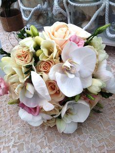 Νυφικό μπουκέτο mix με ορχιδέες Rose, Flowers, Plants, Pink, Plant, Roses, Royal Icing Flowers, Flower, Florals
