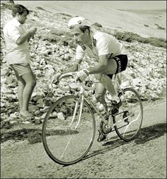 TdF 1967. Tom Simpson climbling the Mont Ventoux few minutes before his death.