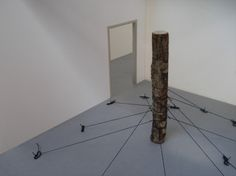 chained tree | geboeide boom2015, scale model, treetrunk & rope | maquette, boomstam & touw5 photo's© Maarten Brinkman