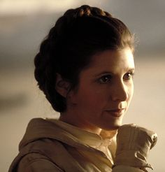 Beloved Star Wars actress Carrie Fisher dies at 60 but Princess Leia will live forever Star Wars 5, Leia Star Wars, Carrie Fisher, Frances Fisher, Dark Vader, The Blues Brothers, Pin Up, Han And Leia, Mark Hamill