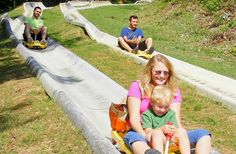 EXPLORE // Check out Ober Gatlinburg's Alpine Slide and experience fun for the whole family! Ober Gatlinburg, Gatlinburg Vacation, Gatlinburg Tennessee, Tennessee Vacation, Gatlinburg Coupons, Best Vacations, Vacation Destinations, Vacation Trips, Vacation Ideas