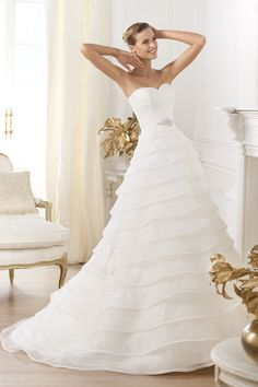 2013 Tiered Wedding Dresses A Line Sweetheart Sweep Train With Beads And  Ruffle New Style USD b0f037f4a5