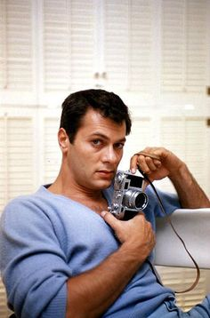 """hollywood-portraits: """"Tony Curtis photographed by Richard C. Hollywood Men, Hooray For Hollywood, Hollywood Icons, Golden Age Of Hollywood, Hollywood Stars, Classic Hollywood, Famous Men, Famous Faces, Famous People"""