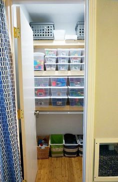ORGANIZING A CLOSET FOR A TODDLER