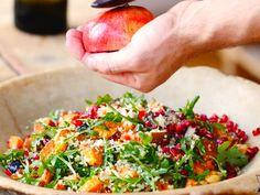 Unser beliebtes Rezept für Süßkartoffel-Quinoa-Salat mit Halloumi und mehr als 55.000 weitere kostenlose Rezepte auf LECKER.de.
