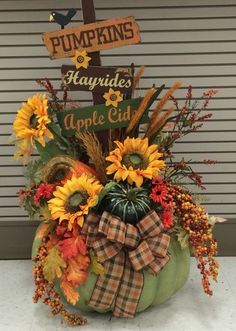 Jumbo Autumn pumpkin 2016 by Andrea Fall Floral Arrangements, Pumpkin Arrangements, Pumpkin Centerpieces, Autumn Decorating, Autumn Crafts, Fall Projects, Fall Flowers, Fall Pumpkins, Fall Halloween