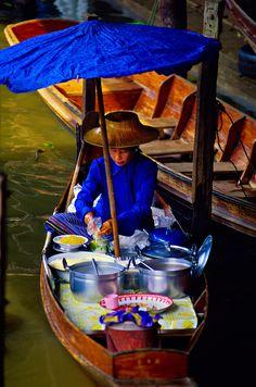 Floating Market, Damnoen Saduak (near Bangkok), Thailand