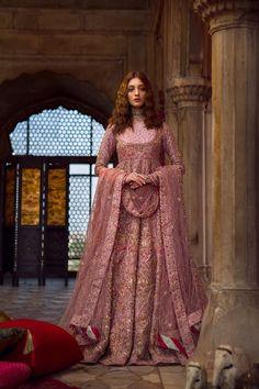 I just found two amazing lehenga stores that are now designing Pakistani Bridal Lehengas! Range of Lehengas start upwards Check all the details here. Pakistani Bridal Wear, Pakistani Wedding Dresses, Pakistani Dress Design, Indian Bridal, Asian Bridal Dresses, Indian Dresses, Indian Outfits, Indian Designer Outfits, Indian Designers