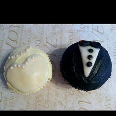 Wedding/ bridal shower cupcakes Cupcake Ideas, Cupcake Cakes, Maid Of Honor Responsibilities, Perfect Wedding, Dream Wedding, Bridal Shower Cupcakes, Cake Business, Buttercream Flowers, Cute Cupcakes