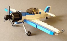 Build this airplane! New Uses for Old LEGO Bricks