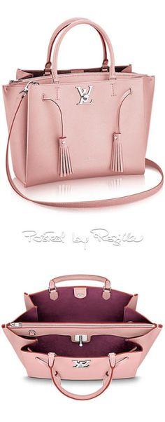 Regilla ⚜ LV http://feedproxy.google.com/fashiongobags4