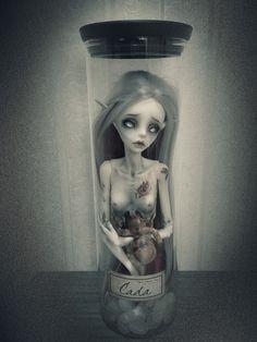 Sadomina's Dolls, Cada and Verine Cada: Dollzone Tarot -The Moon-...