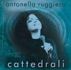 """""""Cattedrali"""" - 24 Febbraio 2016 - Una recensione di Aldo Capitano per Standout. #AntonellaRuggiero #Cattedrali #recensione #stadout"""