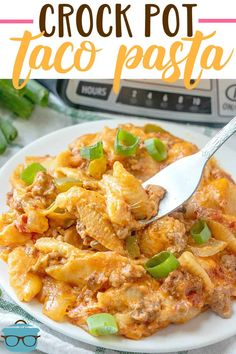 Crock Pot Taco Pasta combines pasta shells taco seasoning cream cheese ground beef green peppers onions and diced t. Crock Pot Tacos, Crock Pot Slow Cooker, Crock Pot Cooking, Slow Cooker Recipes, Pasta Recipes, Crockpot Recipes, Cooking Recipes, Steak Recipes, Cooking Ribs