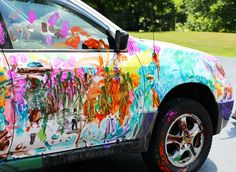 Such a fun art project for kids - painting a car together! Summer Art Projects, Cool Art Projects, Summer Camp Activities, Messy Art, Painting For Kids, Art For Kids, Process Art, Preschool Art, Art Day
