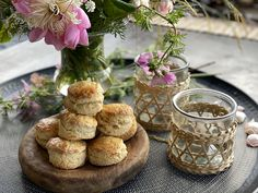 Garden Parties, Scones, Food Inspiration, Food And Drink, Place Card Holders, Bread, Baking, Bread Making, Patisserie