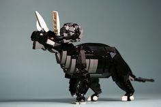 Triceratops by aurore-and-aube on DeviantArt Lego Robot, Lego Toys, Lego Dinosaurus, Legos, Lego Jurassic Park, All Godzilla Monsters, Lego Animals, Lego Club, Batman And Catwoman
