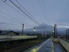 昨日の昨日の夕方は雨だったのに山がみえた珍しい日だった #mtfuji #observation #定点観測