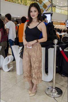 Filipino Fashion, Korea Makeup, Celebrity Photos, Beauty Women, Daughter, Ootd, Classy, Exercise, Actresses