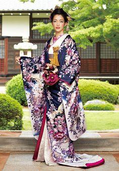 Japanese kimono for wedding Traditional Kimono, Traditional Dresses, Traditional Japanese, Japanese Outfits, Japanese Fashion, Japanese Geisha, Oriental Fashion, Asian Fashion, Furisode Kimono