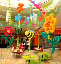 Giant Flower Balloon Sculptures