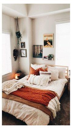 Cozy Small Bedrooms, Cream Bedrooms, Small Rooms, Small Spaces, Bedroom Small, Small Bathrooms, Small Small, Blue Bedrooms, Room Ideas Bedroom
