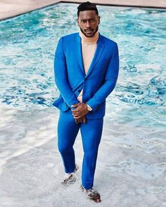 Antonio Brown stands in a pool in a blue suit. Black Mens Fashion Suits, Brown Fashion, Men's Fashion, Antonio Brown, Brown Suits, 3 Piece Suits, Dance Photos, Fine Men, Mens Clothing Styles