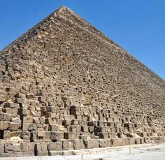 PIRAMIDE DI CHEOPE- tomba del re Cheope, Antico Egitto, necropoli di Giza, costruita con blocchi di granito ricoperte da lastre di granito pulite, lucidate e dipinte