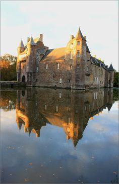 https://flic.kr/p/AmXkFQ | Château de Trécesson, commune de Campénéac, forêt de Paimpont-Brocéliande (Bretagne, Morbihan, France)
