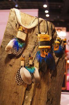 Przepiękna biżuteria Amberwood łączy różne gatunki drewna z bursztynem