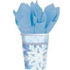 Bekertjes sneeuwvlokken -  Een set met 8 papieren bekertjes bedrukt met sneeuwvlokken! Om een sneeuwfeest in stijl te vieren! In het echt zijn de bekertjes nog veel mooier dan op de foto!    www.feestartikelen.nl