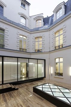 Built by Antonio Virga Architecte,Dior Men Architecture Department in Paris, France with date 2014. Images by Olivier Helbert. CONTEXT  Former commercial premises are transformed into style offices and haute couture workshops to gather the Dior...