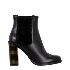 f36bb7c69dd16 Venta de calzado y accesorios de las mejores marcas de lujo. Venta De  CalzadoMarca De LujoMarcasMejoresAccesoriosSalvatore FerragamoMujerBranding
