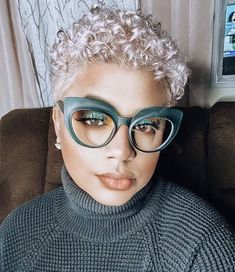 Natural Hair Cuts, Natural Hair Styles, Blonde Natural Hair, Hair Dos, My Hair, Bold Hair Color, Hair Colors, Bold Colors, Cabello Afro Natural