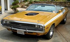 1971 Challenger R/T Wearing Butterscotch