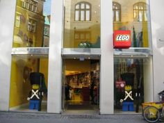 Lego, read about the flag store on the blog www.copenhagen-sightseeing.dk/lego/