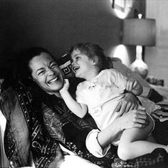 Romy Schneider et Sarah ng iis awhen,awI,,,,,,,,,, ,,           trying to make a family one day