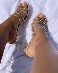Cute Heels, Shoes Heels, Simmi Shoes, Beautiful High Heels, Aesthetic Shoes, Fresh Shoes, Hype Shoes, Fashion Heels, Shoe Brands