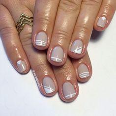 Essie major moments and Rose gold stripes from finger bang Chic Nails, Stylish Nails, Trendy Nails, Swag Nails, Classy Nails, Shellac Nails, Acrylic Nails, Hair And Nails, My Nails