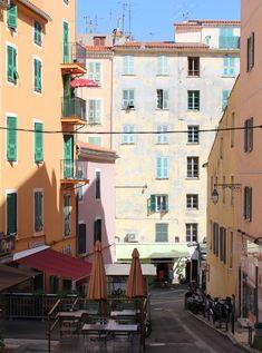 Rue colorée Ajaccio Corse