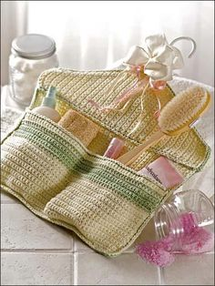 30 Handy Designs and Craft Ideas to Keep Homes Organized and Neat Homes crochet accessories 2012 accessories Knit Or Crochet, Crochet Gifts, Crochet Organizer, Knitting Patterns, Crochet Patterns, Crochet Home Decor, Crochet Kitchen, Crochet Accessories, Yarn Crafts