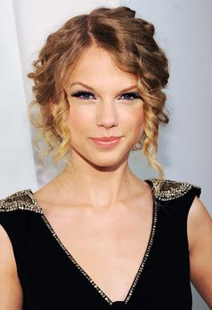 + ideas about Taylor Swift Updo on Pinterest | Semi Formal Hair, Updo ...