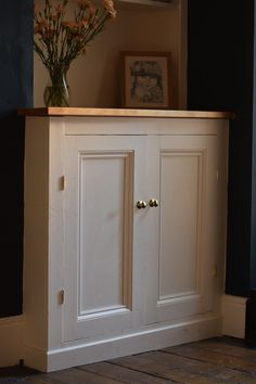 The second of two posts on building a victorian alcove cupboard