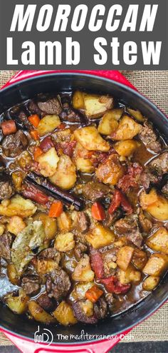 Lower Excess Fat Rooster Recipes That Basically Prime Looking To Make The Best Lamb Stew? This Tender, Flavor-Packed Moroccan Lamb Stew With Vegetables Is Your Ticket. Make In The Oven, Crock Pot, Or Pressure Cooker Mediterranean Diet Recipes, Mediterranean Dishes, Lamb Dishes, Food Dishes, Food Food, Slow Cooker Recipes, Cooking Recipes, Healthy Recipes, Meat Recipes