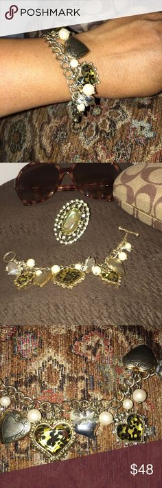 """Betsey Johnson Two-tone Heart & Pearl Bracelet 7 1/2"""" long. Bigger heart is almost 1"""" dimension. Two-tone gold & silver. White faux pearls. Toggle closure. Tarnish-free. Exotic design! Betsey Johnson Jewelry Bracelets"""
