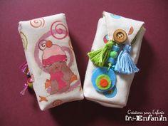 Petits sacs à mouchoirs colorés