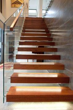 Floating steel stair